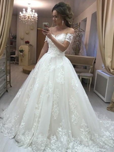 A-Line/Princess Off-the-Shoulder Applique Sleeveless Sweep/Brush Train Tulle Wedding Dresses