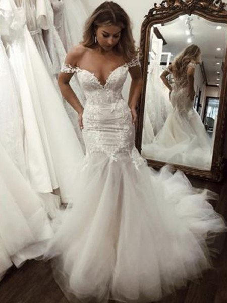 Trumpet/Mermaid Off-the-Shoulder Sweep/Brush Train Applique Sleeveless Tulle Wedding Dresses