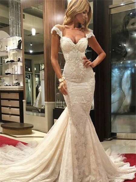 Trumpet/Mermaid Chapel Lace Sleeveless V-neck Lace Wedding Dresses