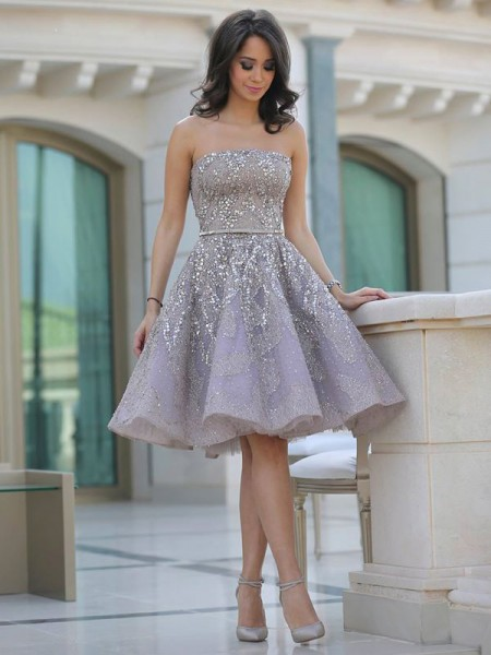 A-line/Princess Knee-Length Tulle Sleeveless Strapless Sequin Dresses