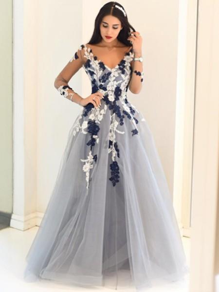 A-Line/Princess Tulle V-Neck Long Sleeves Floor-Length Applique Dresses