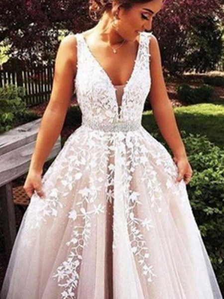 A-Line/Princess Sweep/Brush Train Tulle Sleeveless V-Neck Applique Dresses