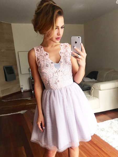 A-line/Princess Short/Mini Tulle Sleeveless V-neck Lace Dresses
