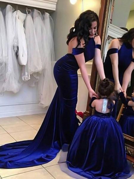 Sheath/Column Halter Sleeveless Sweep/Brush Train Ruffles Velvet Prom Dresses