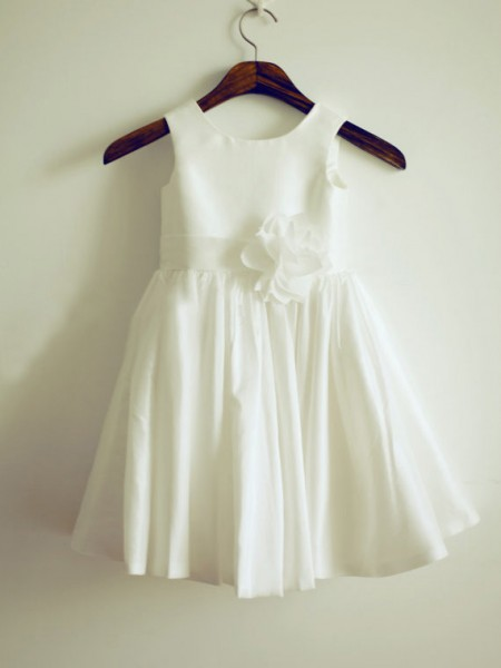 A-Line/Princess Sleeveless Taffeta Knee-Length Hand-Made Flower Jewel Flower Girl Dresses