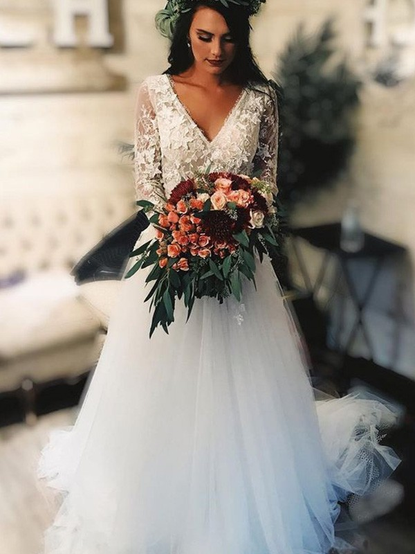 A-Line/Princess Long Sleeves Tulle Applique Sweep/Brush Train V-neck Wedding Dresses