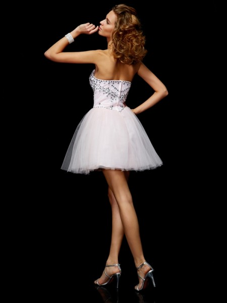 A-Line/Princess Organza Sweetheart Short/Mini Beading Sleeveless Cocktail Dresses