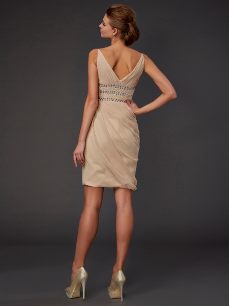 Sheath/Column Chiffon V-neck Short/Mini Beading Sleeveless Cocktail Dresses