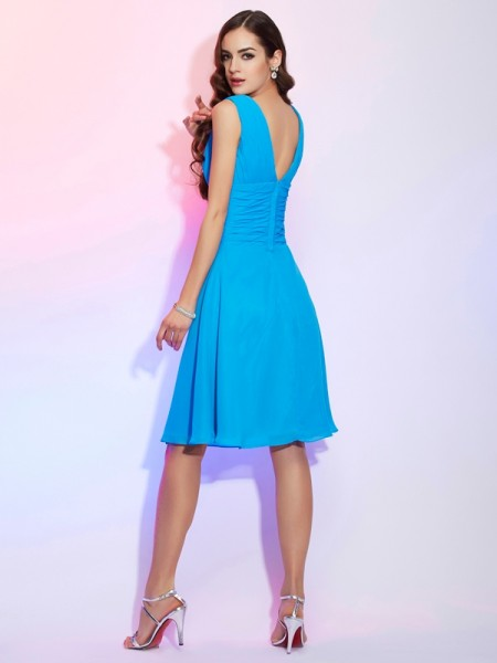 A-Line/Princess Chiffon V-neck Knee-Length Pleats Short Sleeves Dresses