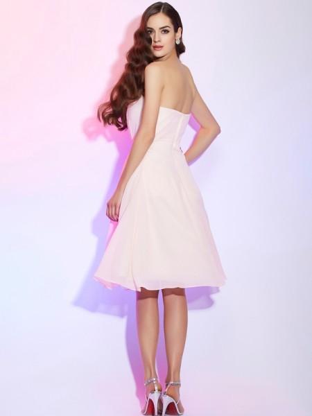 Sheath/Column Chiffon Strapless Knee-Length Ruched Sleeveless Bridesmaid Dresses
