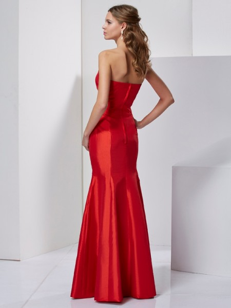 Trumpet/Mermaid Taffeta Sweetheart Floor-Length Pleats Sleeveless Dresses