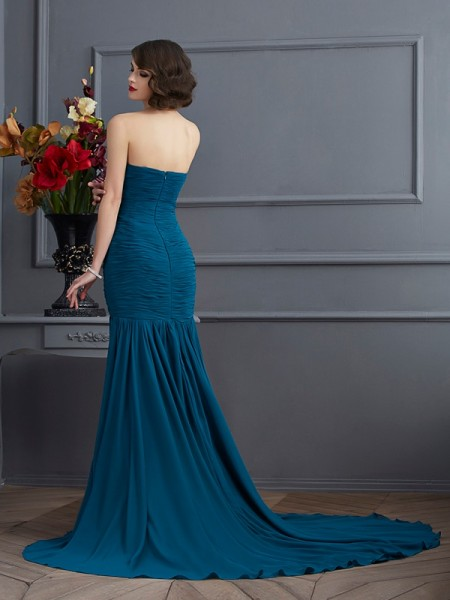 Trumpet/Mermaid Chiffon Strapless Sweep/Brush Train Beading Applique Sleeveless Dresses