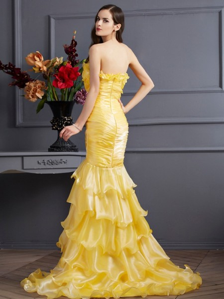 Trumpet/Mermaid Tulle Strapless Sweep/Brush Train Ruffles Sleeveless Dresses