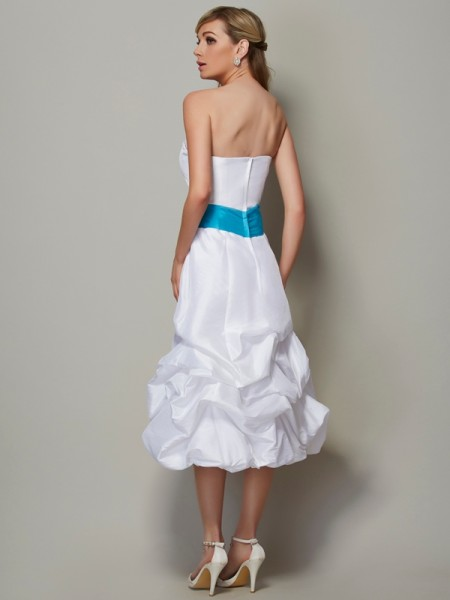 A-Line/Princess Taffeta Strapless Tea-Length Sleeveless Dresses