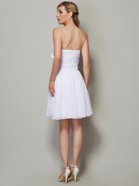 A-Line/Princess Chiffon Strapless Short/Mini Pleats Applique Sleeveless Bridesmaid Dresses