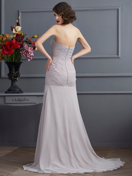 A-Line/Princess Chiffon Sweetheart Sweep/Brush Train Beading Sleeveless Dresses