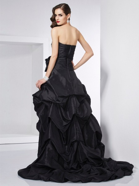 A-Line/Princess Taffeta Strapless Asymmetrical Beading Sleeveless Dresses