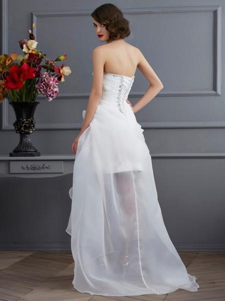 A-Line/Princess Organza Sweetheart Asymmetrical Beading Applique Sleeveless Wedding Dresses