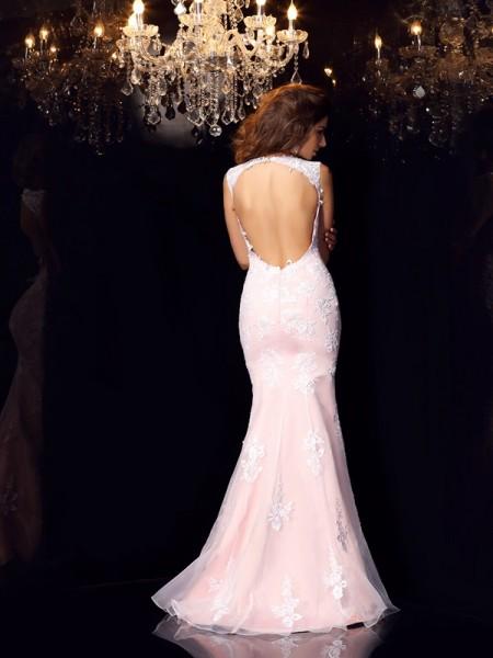 Trumpet/Mermaid Sleeveless Lace Floor-Length Scoop Satin Dresses