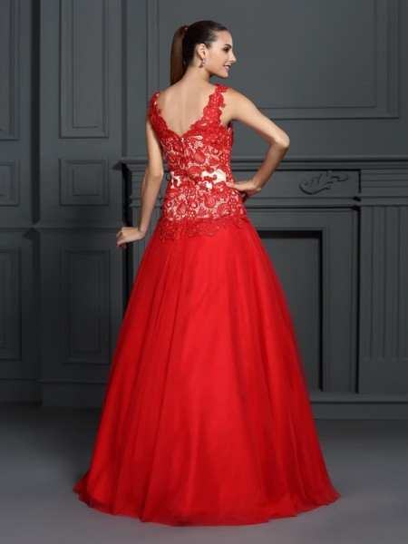 Ball Gown Sleeveless Lace Floor-Length V-neck Lace Dresses