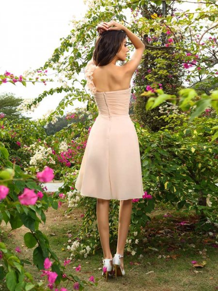 A-Line/Princess Sleeveless Ruched Knee-Length One-Shoulder Chiffon Bridesmaid Dresses