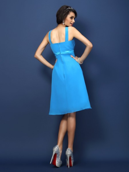 A-Line/Princess Sleeveless Sash/Ribbon/Belt Knee-Length Bateau Chiffon Bridesmaid Dresses