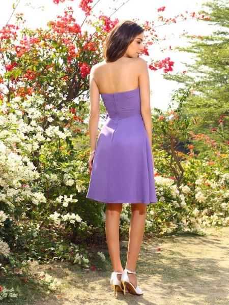 A-Line/Princess Sleeveless Hand-Made Flower Knee-Length Sweetheart Chiffon Bridesmaid Dresses