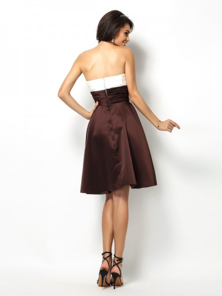 A-Line/Princess Sleeveless Pleats Short/Mini Sweetheart Satin Bridesmaid Dresses