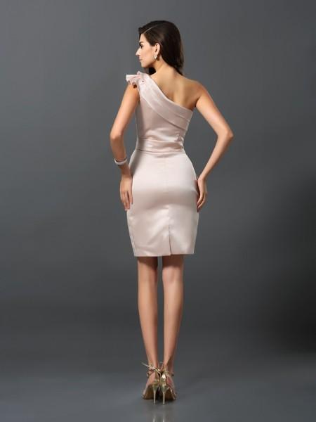 Sheath/Column Sleeveless Knee-Length One-Shoulder Satin Cocktail Dresses