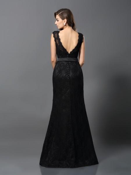 Sheath/Column Sleeveless Lace Floor-Length Scoop Satin Dresses