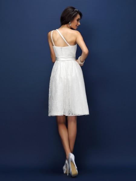 A-Line/Princess Sleeveless Lace Bowknot Short/Mini One-Shoulder Lace Bridesmaid Dresses
