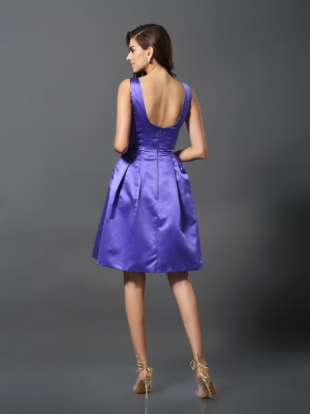 A-Line/Princess Sleeveless Knee-Length Scoop Satin Bridesmaid Dresses