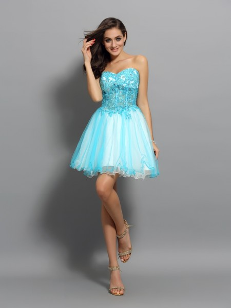 A-Line/Princess Sleeveless Beading Applique Short/Mini Sweetheart Satin Cocktail Dresses