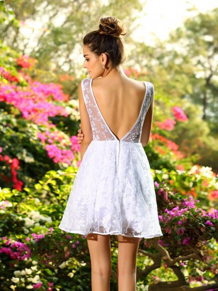 A-Line/Princess Sleeveless Short/Mini Bateau Lace Bridesmaid Dresses