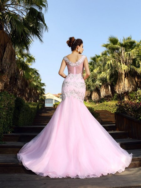 Trumpet/Mermaid Sleeveless Beading Court Train V-neck Satin Dresses