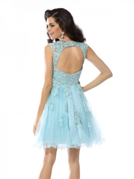 A-Line/Princess Sleeveless Beading Applique Short/Mini Scoop Satin Cocktail Dresses