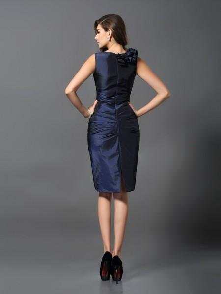 Sheath/Column Sleeveless Hand-Made Flower Knee-Length V-neck Taffeta Cocktail Dresses