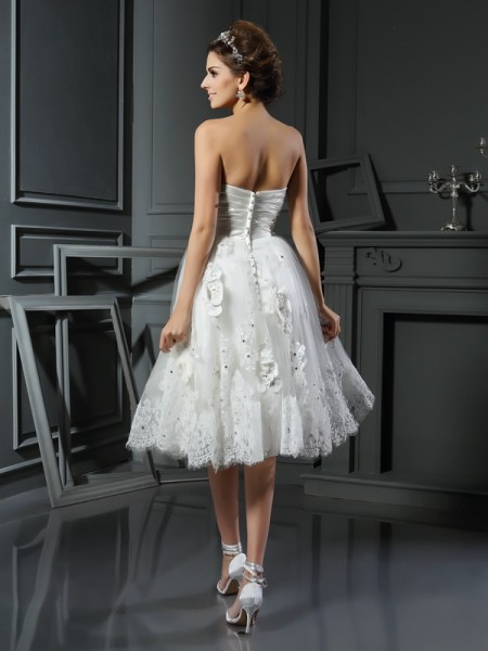 A-Line/Princess Sleeveless Tea-Length Ruched Satin Sweetheart Wedding Dresses