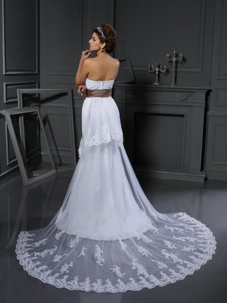 Sheath/Column Sleeveless Court Train Applique Net Sweetheart Wedding Dresses