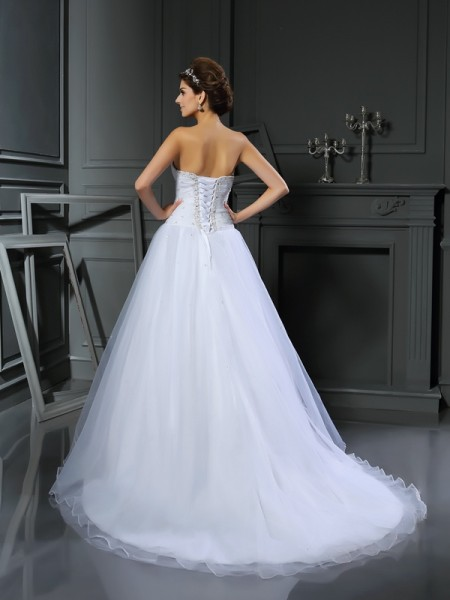 Ball Gown Sleeveless Court Train Beading Satin Sweetheart Wedding Dresses