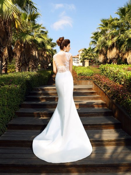 Trumpet/Mermaid Sleeveless Court Train Beading Satin High Neck Dresses