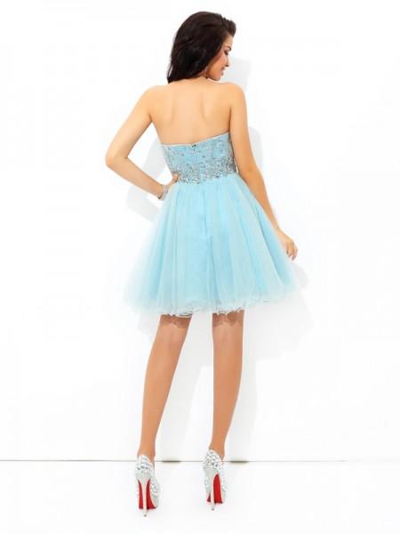 A-Line/Princess Beading Short/Mini Sweetheart Sleeveless Satin Cocktail Dresses