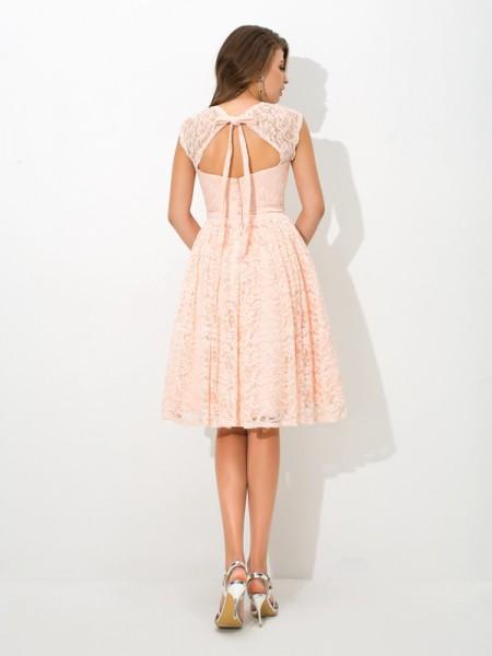A-Line/Princess Lace Knee-Length Straps Sleeveless Lace Bridesmaid Dresses
