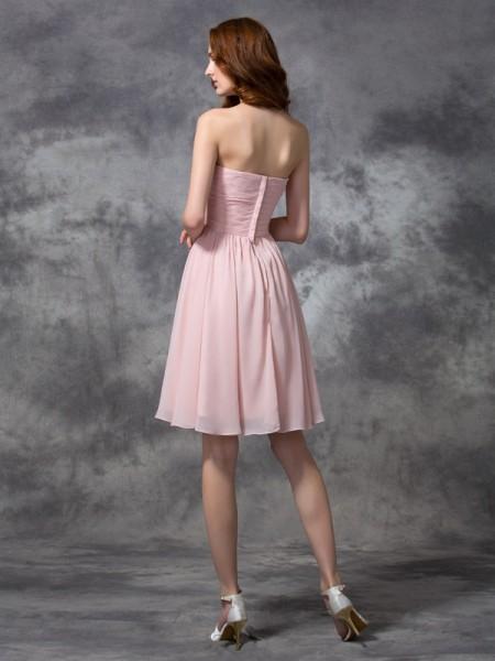 A-line/Princess Ruched Knee-length Sweetheart Sleeveless Chiffon Bridesmaid Dresses