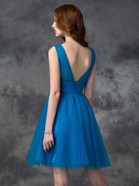 A-line/Princess Short/Mini V-neck Sleeveless Satin Bridesmaid Dresses