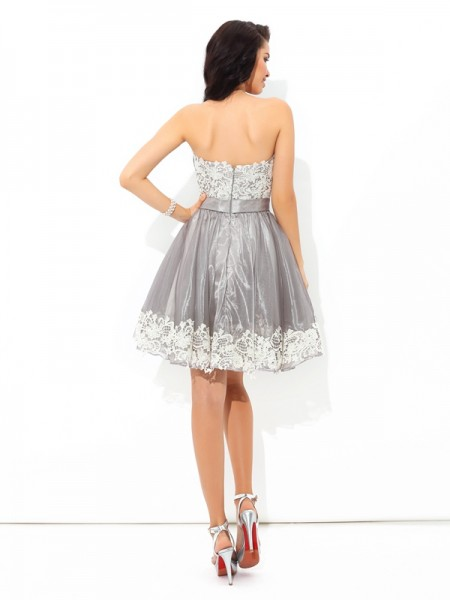 A-Line/Princess Lace Short/Mini Sweetheart Sleeveless Tulle Cocktail Dresses