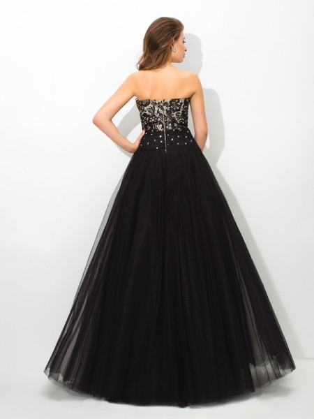 Ball Gown Lace Floor-Length Sweetheart Sleeveless Net Dresses