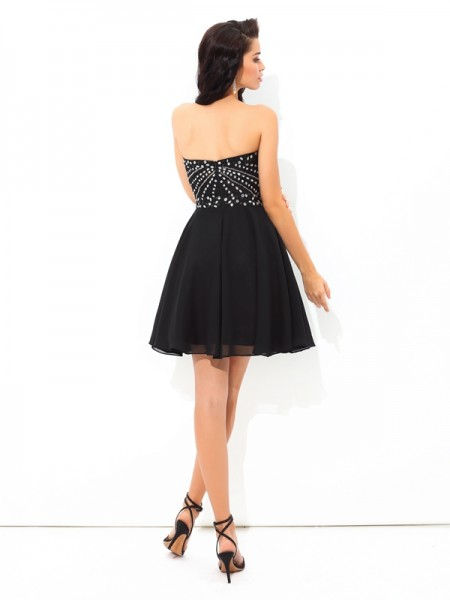 A-Line/Princess Paillette Short/Mini Sweetheart Sleeveless Chiffon Cocktail Dresses
