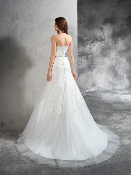Sheath/Column Applique Court Train Sweetheart Sleeveless Satin Wedding Dresses