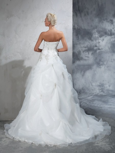 Ball Gown Beading Chapel Train Strapless Sleeveless Tulle Wedding Dresses